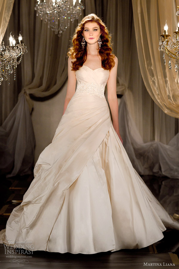Wedding dresses for pregnant rental 1