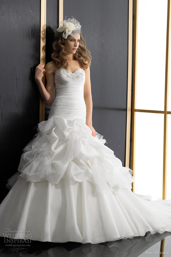 val stefani wedding dress fall 2012 strapless silky organza fit and flare gown d8020