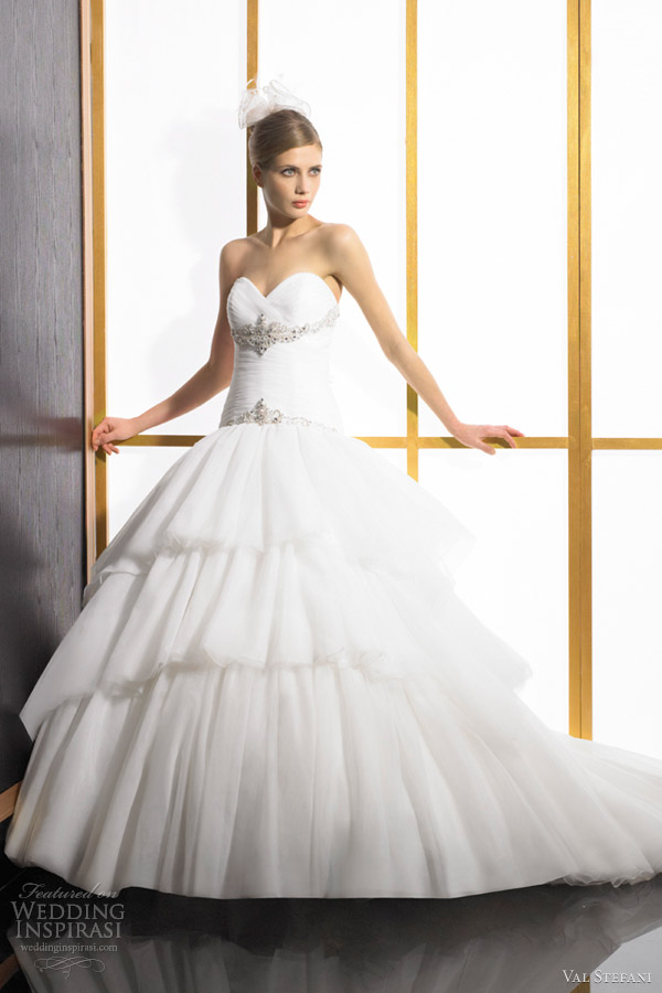 val stefani wedding dresses 2012 strapless sweetheart ball gown organza tulle d8023
