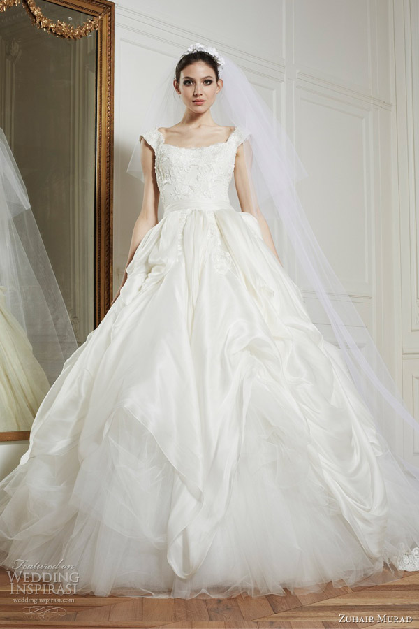 Winter Wedding Dresses Accessories 31