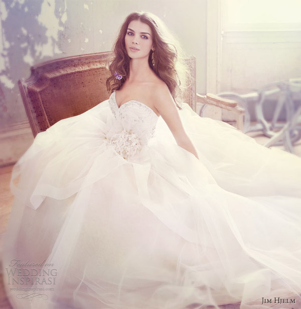 jim hjelm spring 2013 bridal tulle ball gown crystal embroidered sweetheart neck style 8301