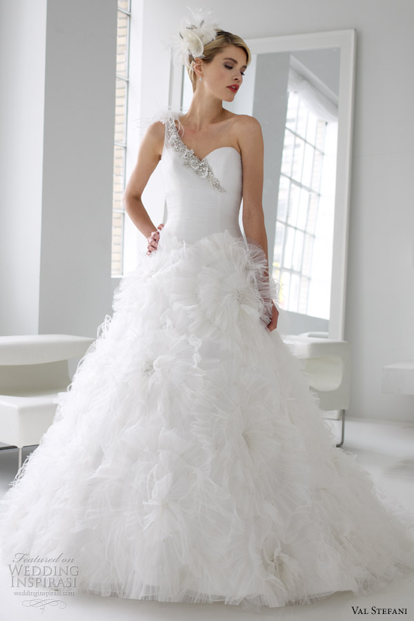 val stefani spring 2013 one shoulder tull ball gown wedding dress d8034