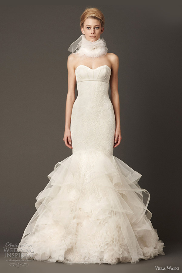 vera wang bridal fall 2013 lace mermaid wedding dress ruff neck