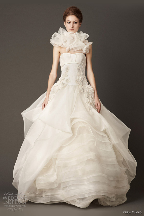 vera wang fall 2013 wedding dress lace ball gown wave flange skirt