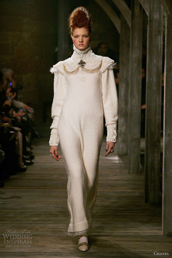 chanel pre fall winter 2013 long sleeve white dress