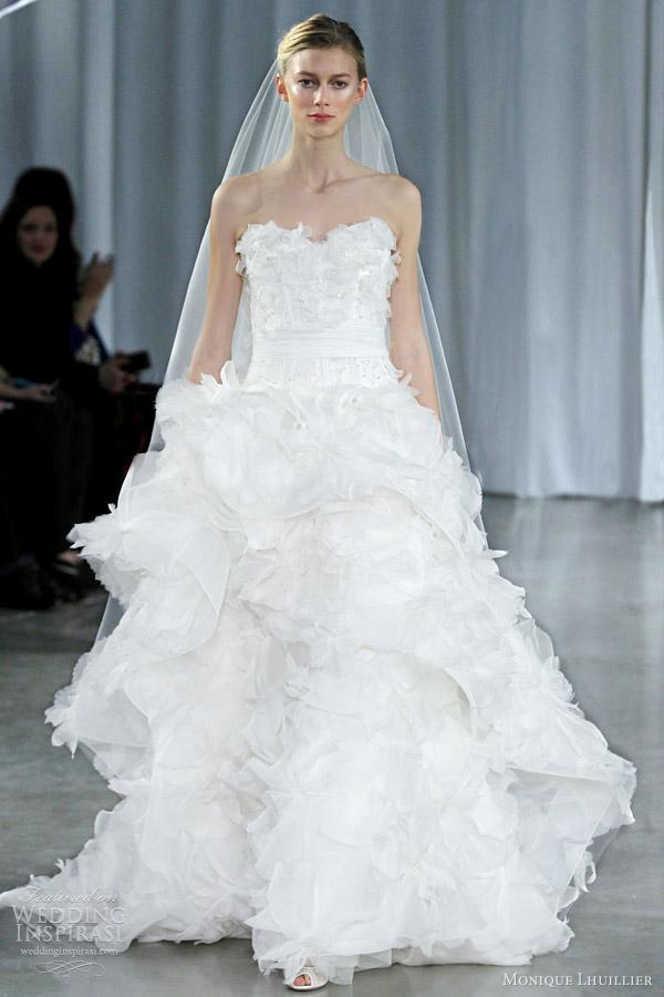 monique lhuillier wedding dresses fall 2013 fantasy strapless gown