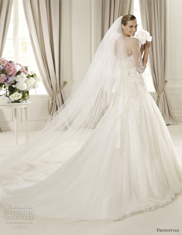 pronovias 2013 wedding dresses duquesa back