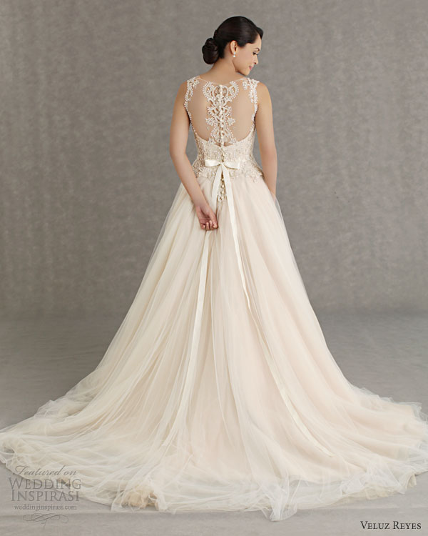 Veluz reyes wedding dresses 2013 wedding inspirasi for Wedding dress illusion back