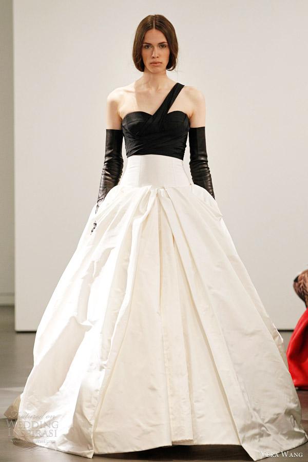 Vera Wang Bridal Spring 2014 Wedding Dresses   Wedding Inspirasi