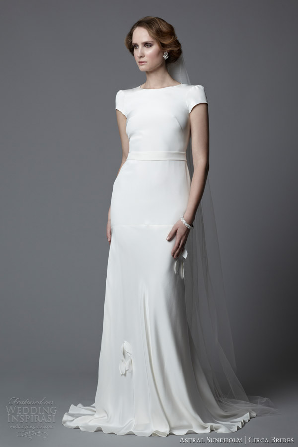 Astral sundholm for circa brides 2014 wedding dresses for Wedding dress for a short bride