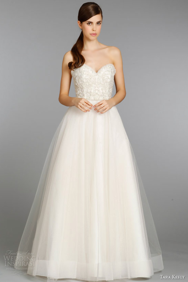 Tara keely fall 2013 wedding dresses wedding inspirasi for Ball gown wedding dresses with sweetheart neckline and beading
