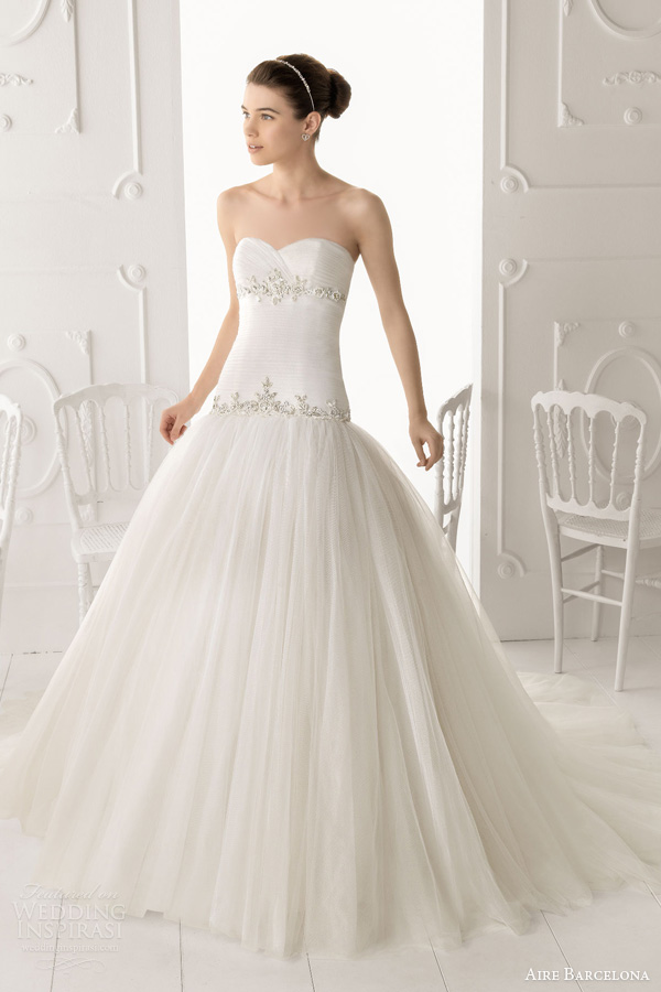 aire barcelona 2014 obice strapless gown