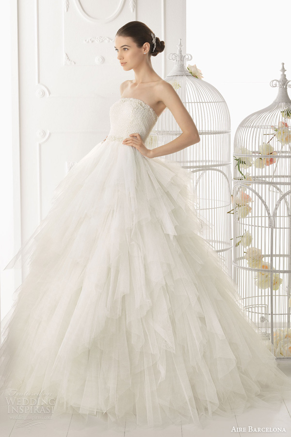 aire barcelona 2014 ordesa strapless ball gown tiered skirt beaded bodice