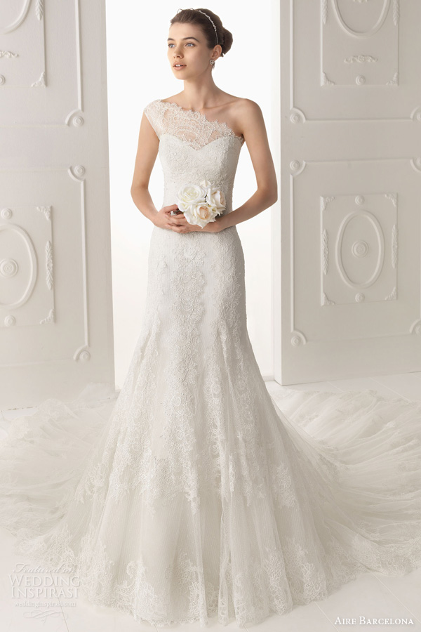 aire barcelona 2014 wedding dress oyambre one shoulder lace gown