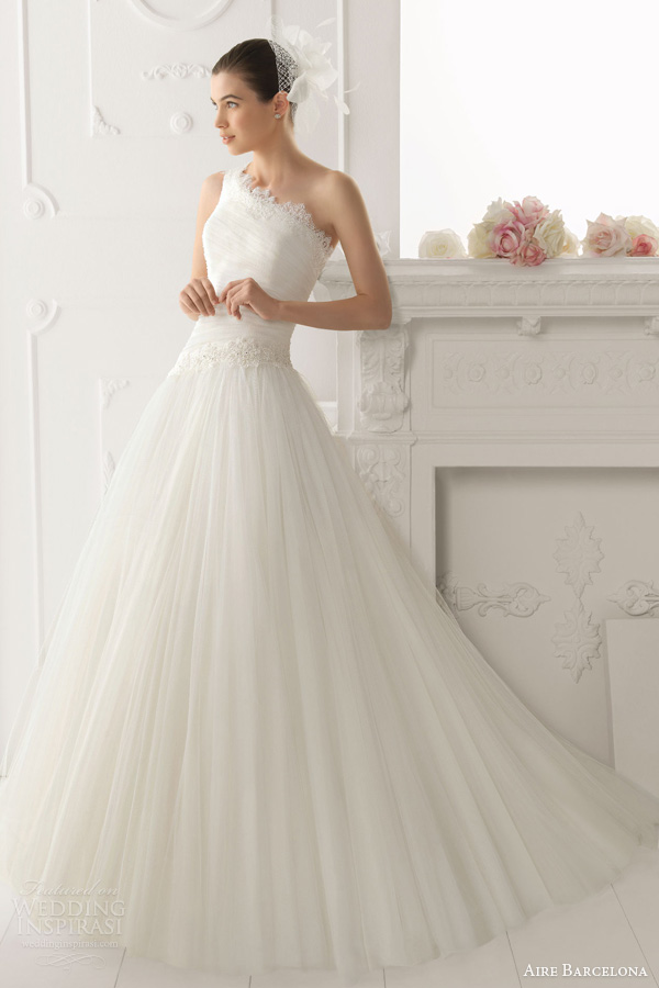 aire barcelona bridal 2014 obsequio one shoulder wedding dress
