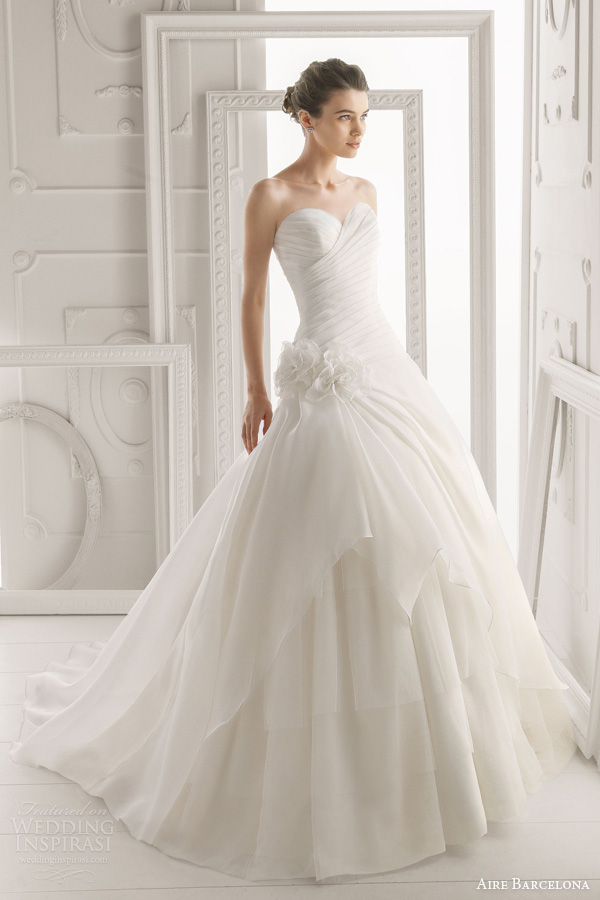 aire barcelona bridal 2014 oriente strapless wedding dress
