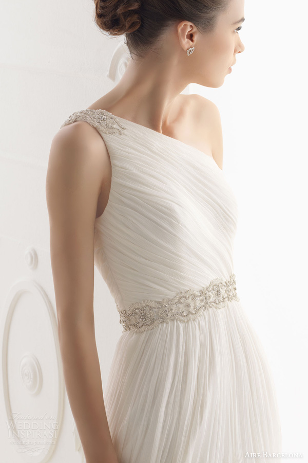 aire barcelona wedding dresses 2014 oceano one shoulder draped gown close up bodice