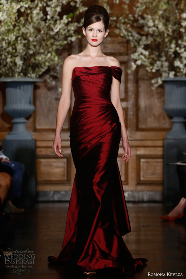 romona keveza fall winter 2013 2014 ready to wear collection red garnet draped mermaid gown silk shantung taffeta draped one shoulder sweetheart neck flowing train style e1366