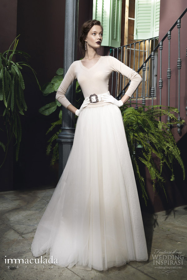 inmaculada garcia 2014 savanna tales diamondra long sleeve v neck wedding dress