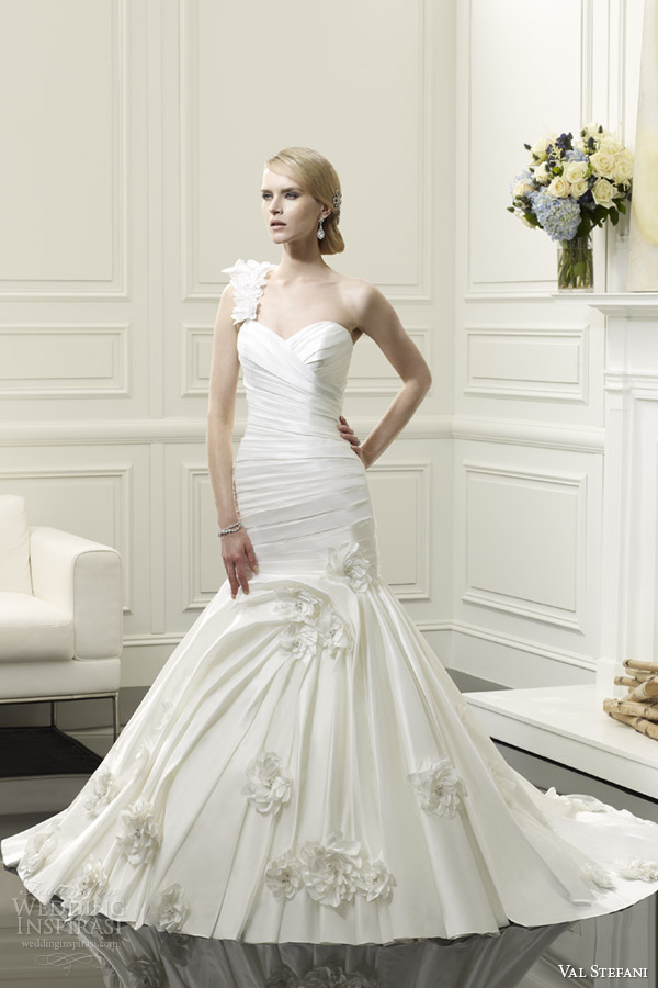 val stefani spring 2014 one shoulder fit and flare wedding dress style d8056