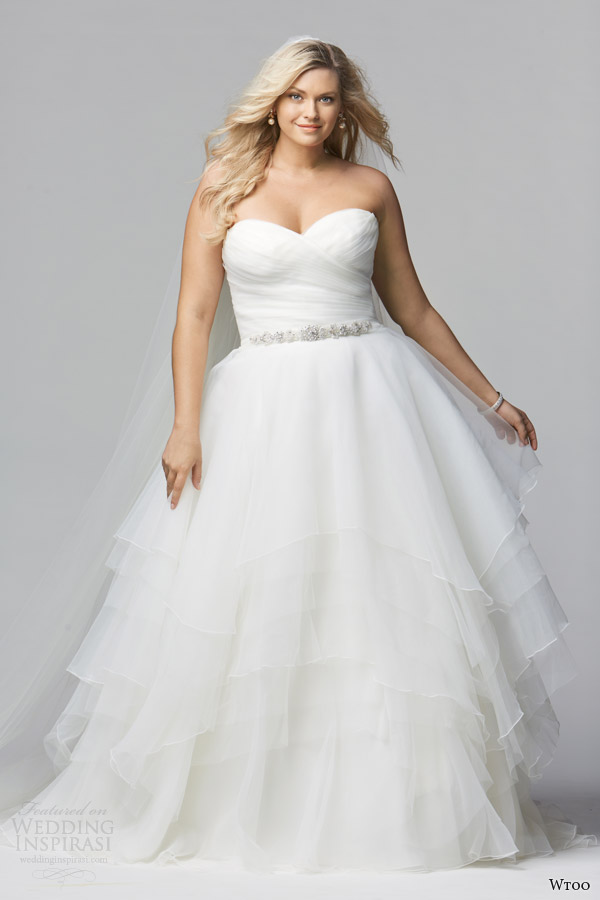 Wtoo brides spring 2014 wedding dresses wedding inspirasi for Plus size wedding dresses size 32 and up