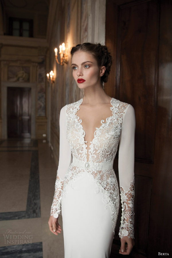 long sleeved wedding dress