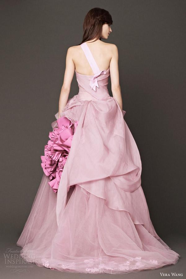 Vera wang bridal fall 2014 wedding dresses wedding inspirasi for Pink vera wang wedding dresses