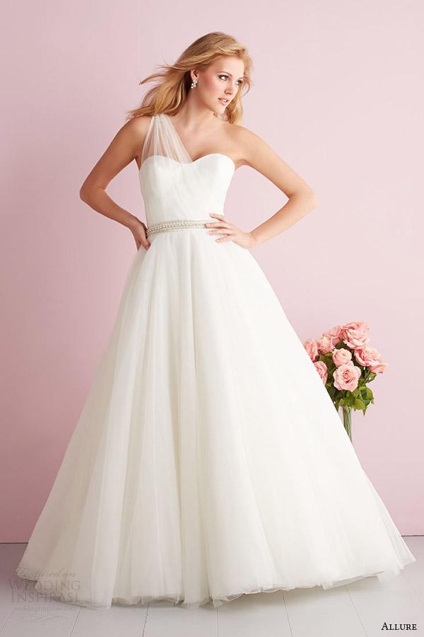 Primavera fascínio Romance 2014 strapless casamento vestido estilo 2702
