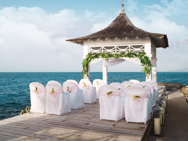apple vacations destination wedding by the sea gazebo