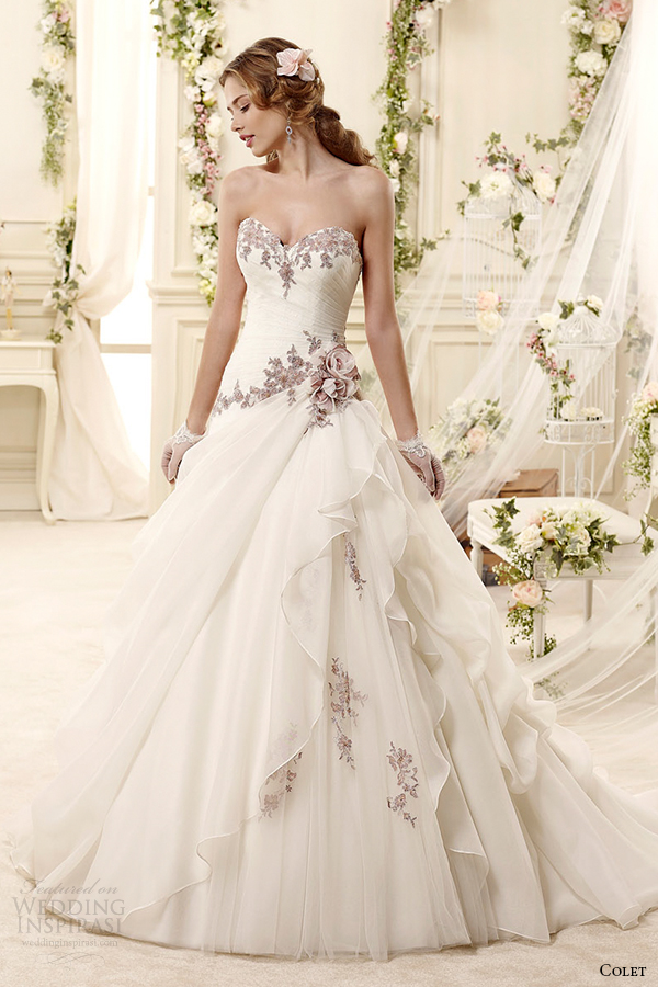 Colet 2015 wedding dresses wedding inspirasi page 4 for Flower embroidered wedding dress