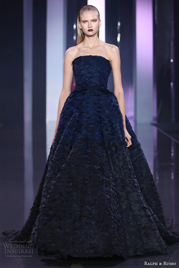 ralph and russo fall 2014 2015 look 21 navy couture strapless gown