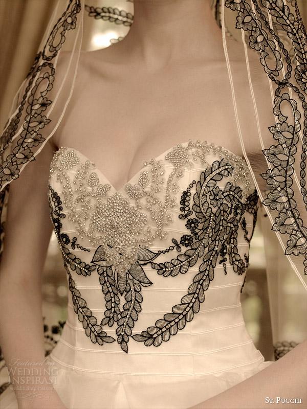 São Pucchi 2014 2015 Gizelle bridal strapless Detalhe do vestido de casamento vestido de bola preto e branco