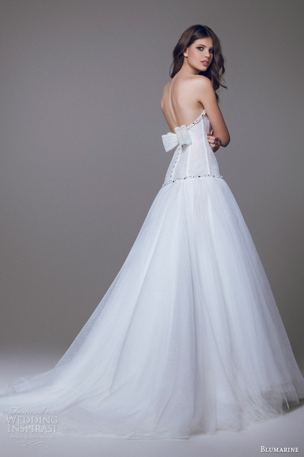 blumarine sposa 2015 drop waist ball gown bow accent back view
