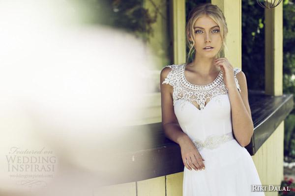 riki dalal bridal 2015 provence beautiful wedding dress 1509 close up neckline
