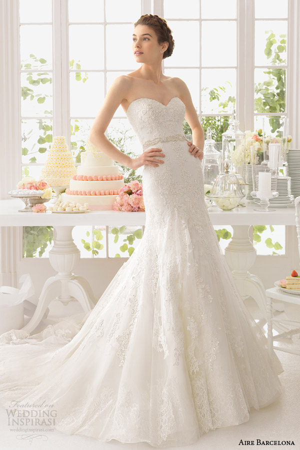 aire barcelona 2015 bridal alpes strapless sweetheart lace wedding dress