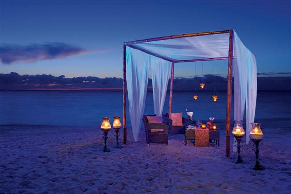 secrets capri riviera cancun romantic dinner for two on the beach