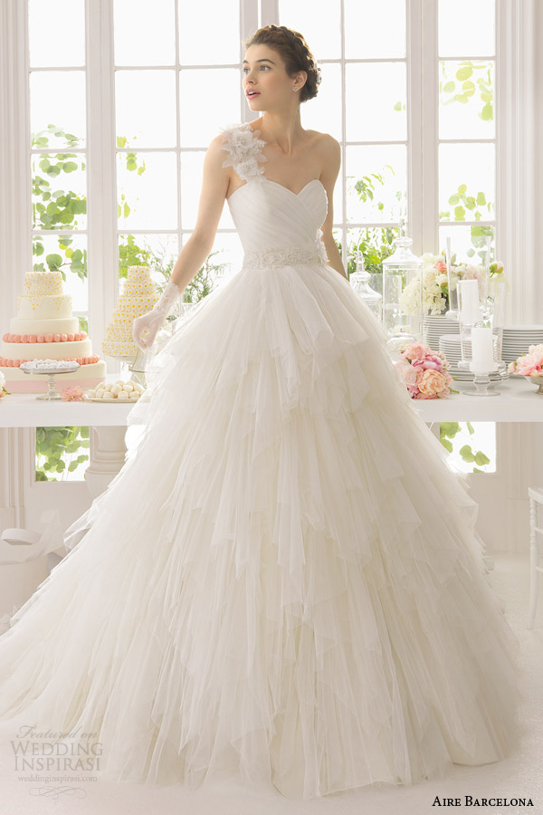 aire barcelona 2015 anouk one shoulder ball gown wedding dress tiered skirt