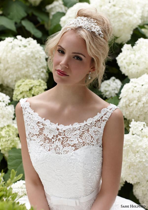 sassi holford bridal 2015 isla sleeveless wedding dress guipure lace bodice close up