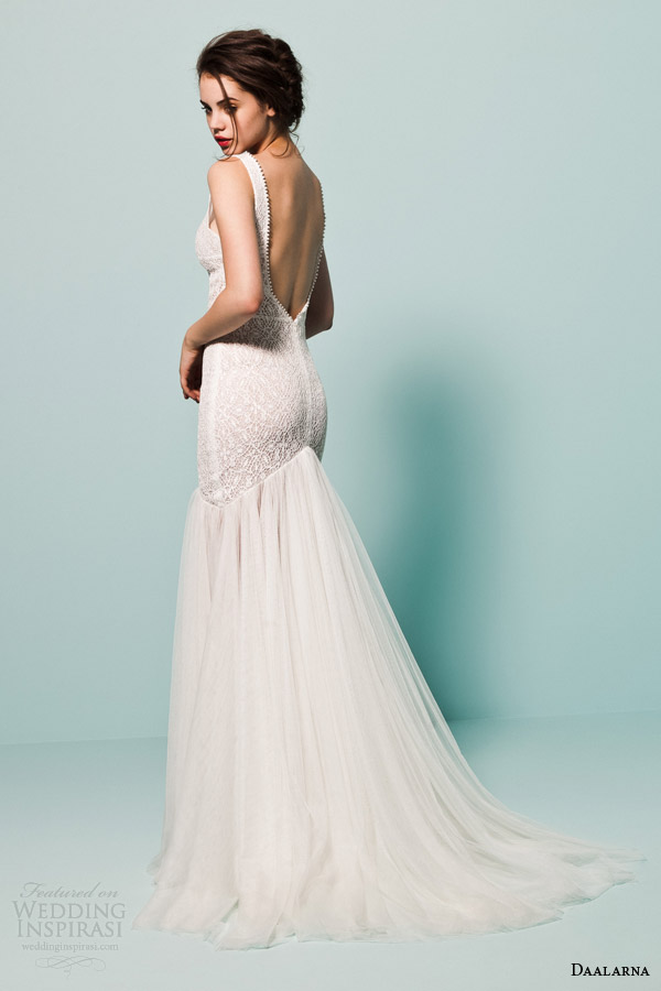 daalarna bridal 2015 pearl sleeveless fit flare mermaid lace bodice v neck straps wedding dress low back view
