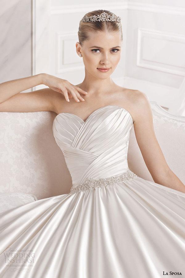 la sposa bridal 2015 eulalia strapless ball gown wedding dress sweetheart neckline cross over bodice close up