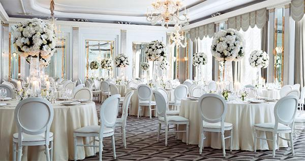 claridges london wedding venue luxury white wedding reception decor