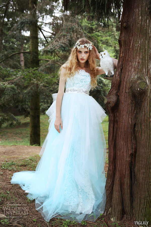 tiglily 2015 bridal amore japanese wedding dress romantic pastel pale blue white lace strapless gown with tulle overskirt style c131