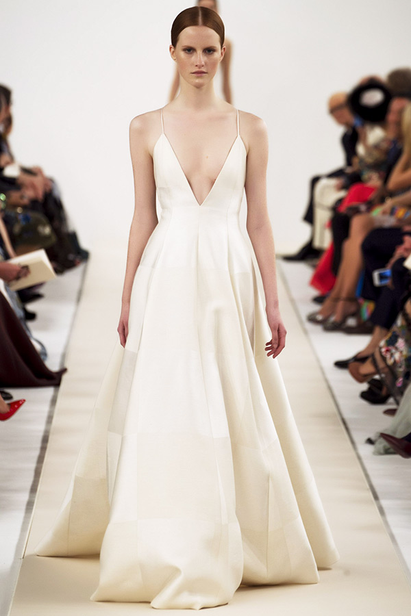 valentino sala bianca couture dresses spagetti strap plunging neckline ivory ball gown