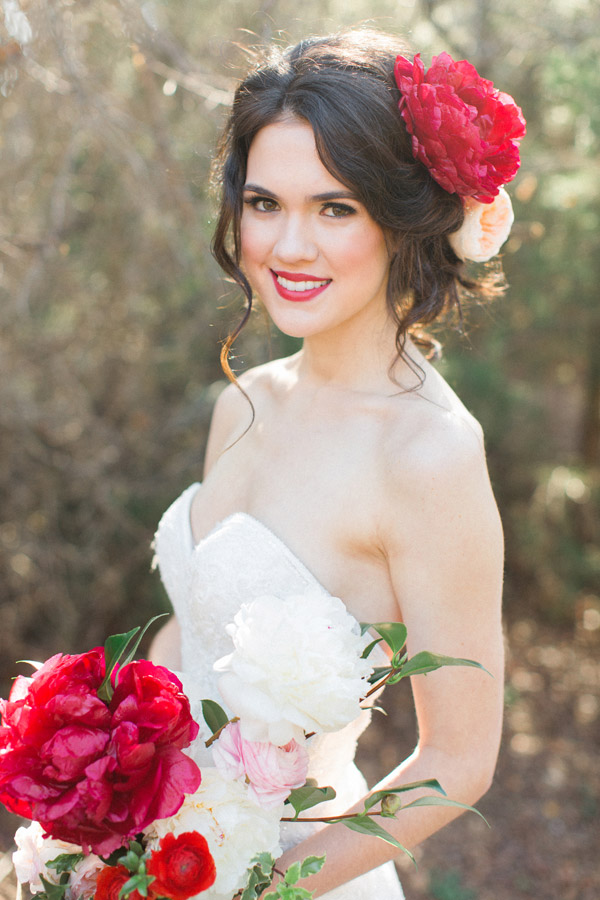 watters wedding dress 2015 strapless sweetheart lace bridal gown hairstyle close up giant red peony bouquet flowers allen tsai photography sarah keestone events