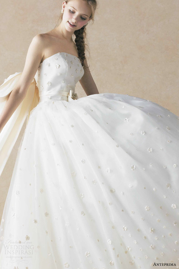anteprima bridal straplesss ball gown wedding dress off white appliqued tulle netting ant0070