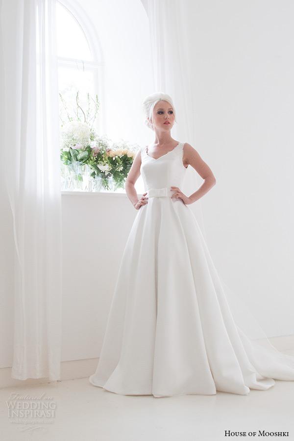 house of mooshki bridal 2015 strapless plunging v neckline lace detachable tulle train waist ribbon wedding dress style georgina