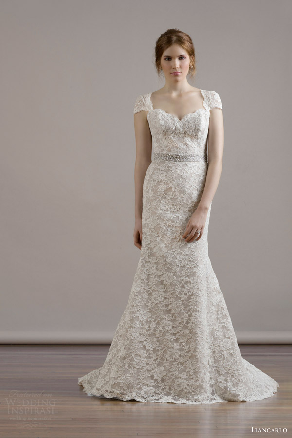 Liancarlo fall 2015 wedding dresses wedding inspirasi for Lace cap sleeve keyhole back wedding dress