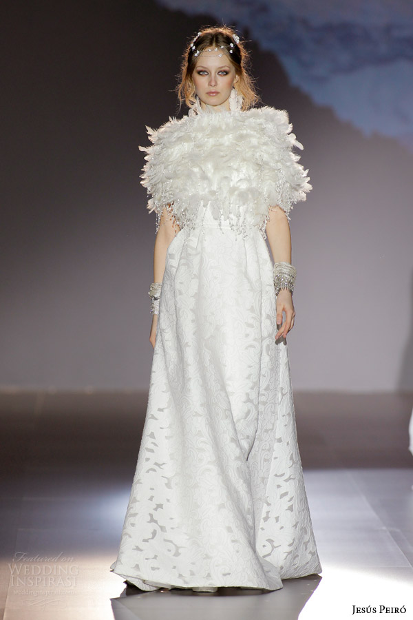 jesus peiro 2016 nanda devi bridal chandraki peacock wedding dress fil coupe cotton silk damask diamond back