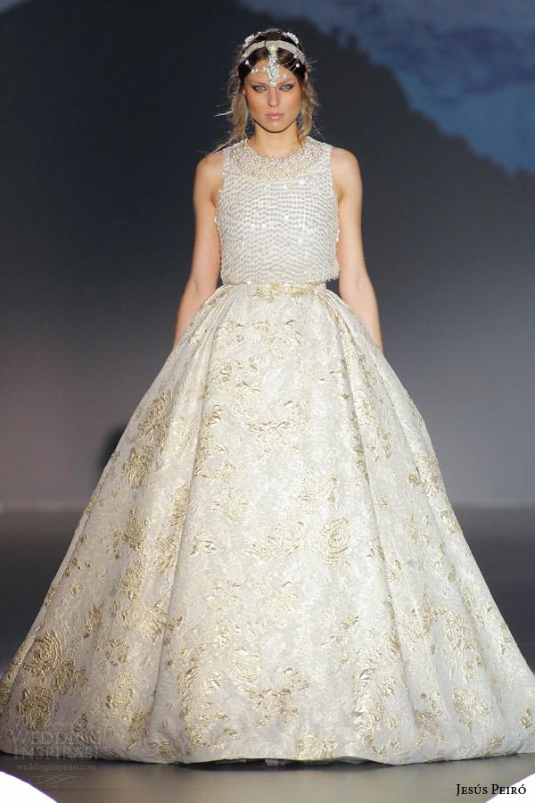 jesus peiro 2016 nanda devi bridal kanaka gold sequin crop top gold fil coupe ball gown skirt gold silk thread damask