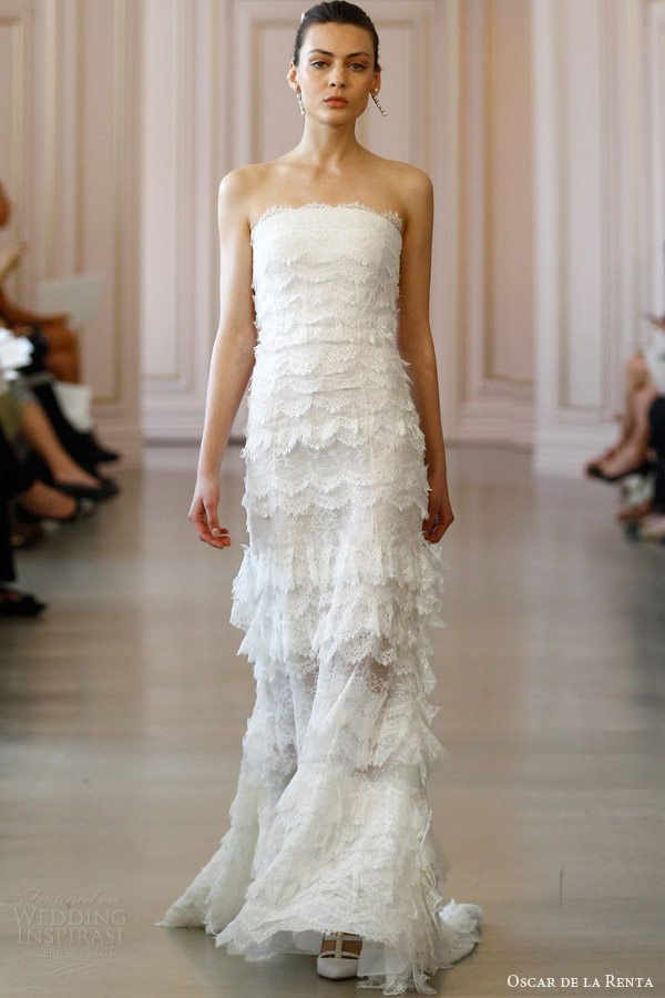 oscar de la renta bridal spring 2016 strapless scalloped lace trumpet column wedding dress